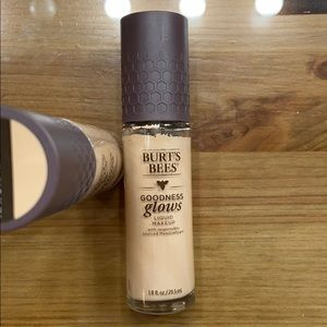 Burt's Bees liquid make up foundation